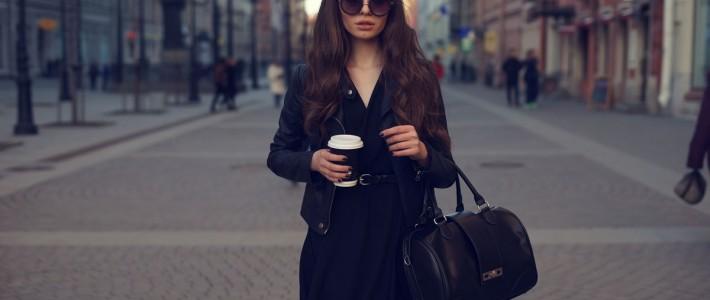 Jaki wybrać płaszcz do spódnicy? Trendowe ABC eleganckiej kobiety